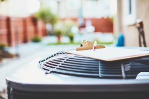 air-conditioner-unit-with-slipboard-on-top